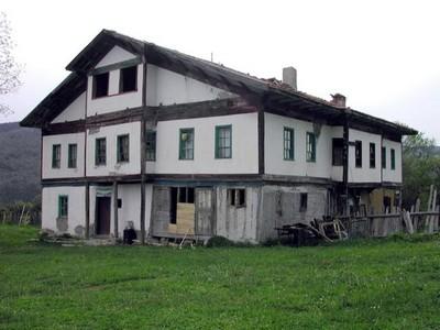 tarihi bina