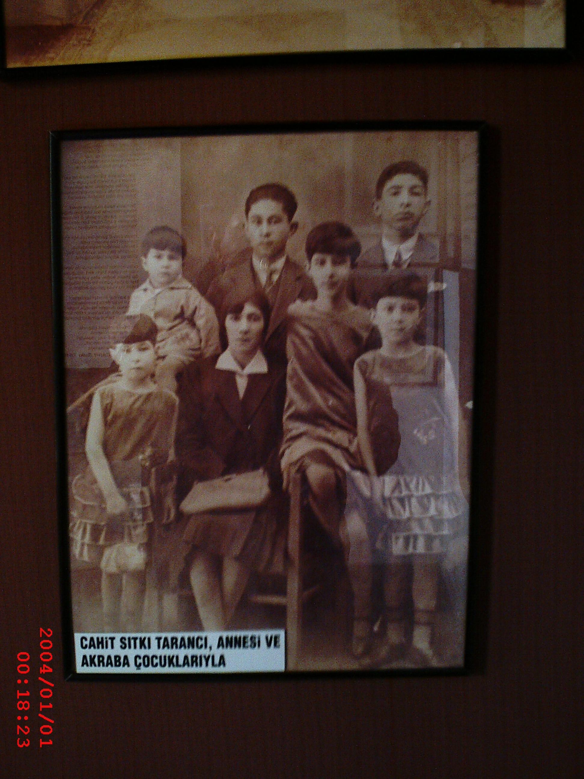 Annesi Ve Akraba Çocuklarıyla