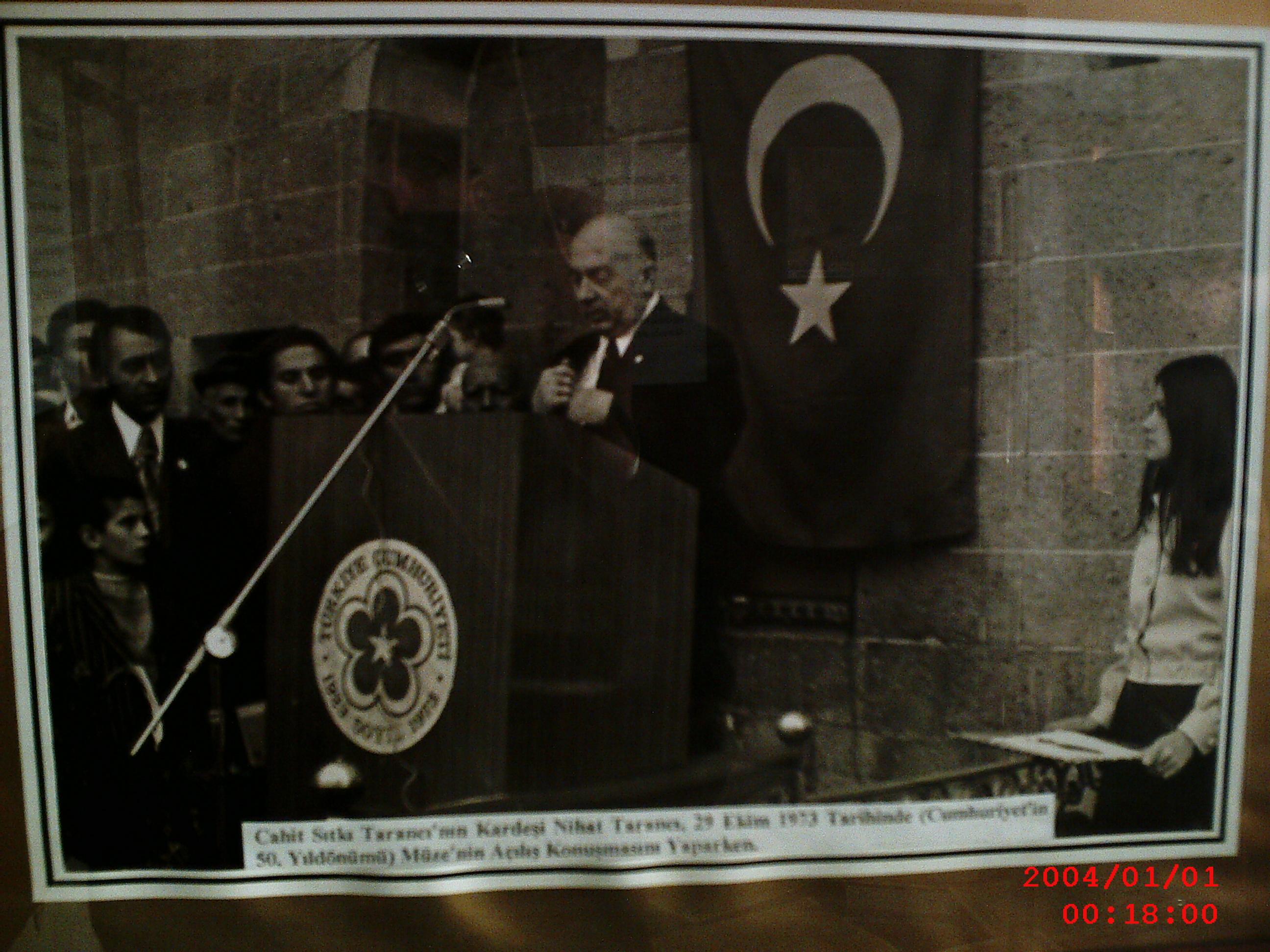 Kardeşi Nihat Tarancı Müzenin Açılışında Konuşurken..