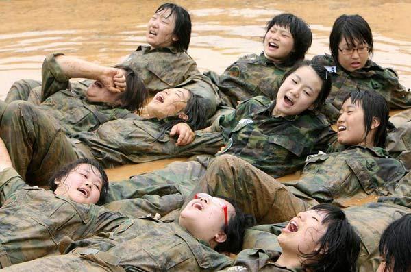 Asyalı Asker Kadınlar