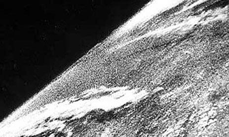 Uzaydan çekilen ilk fotoğraf. Johns Hopkins, New Mexico