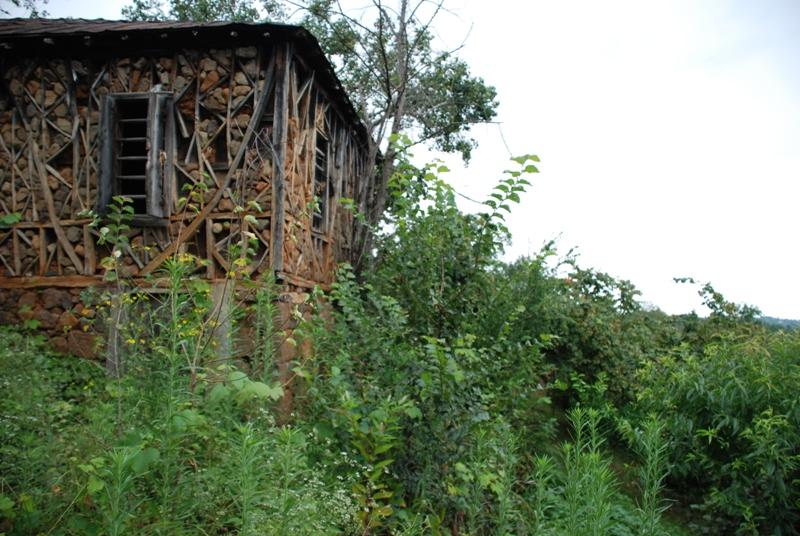 Anbarli Köyünde eski bir taş ev